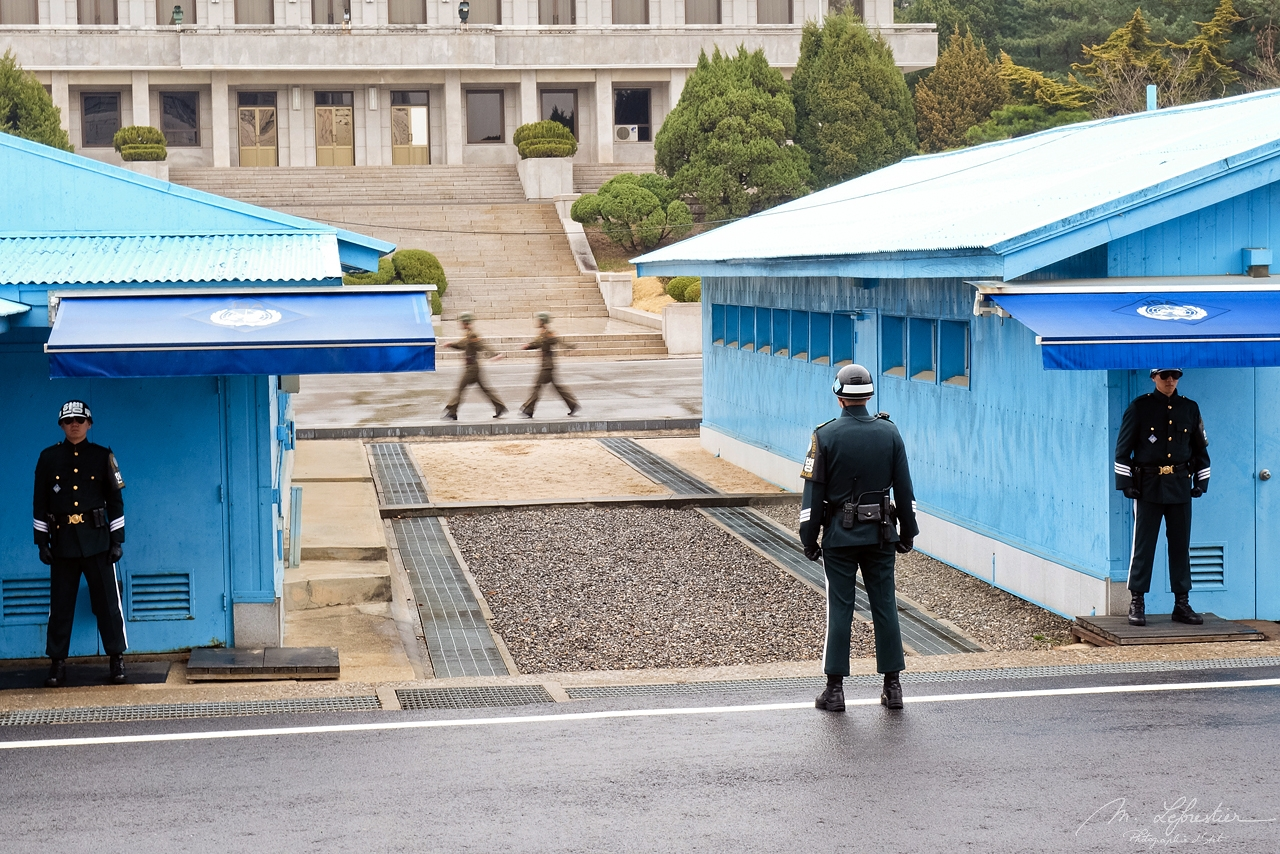 South Korea: set feet on North Korea at the JSA – DMZ