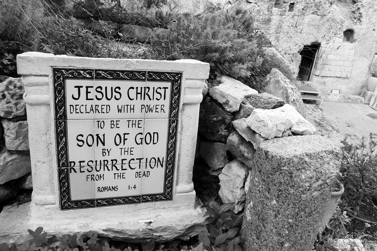 Israel: see the burial site of Jesus Christ in Jerusalem