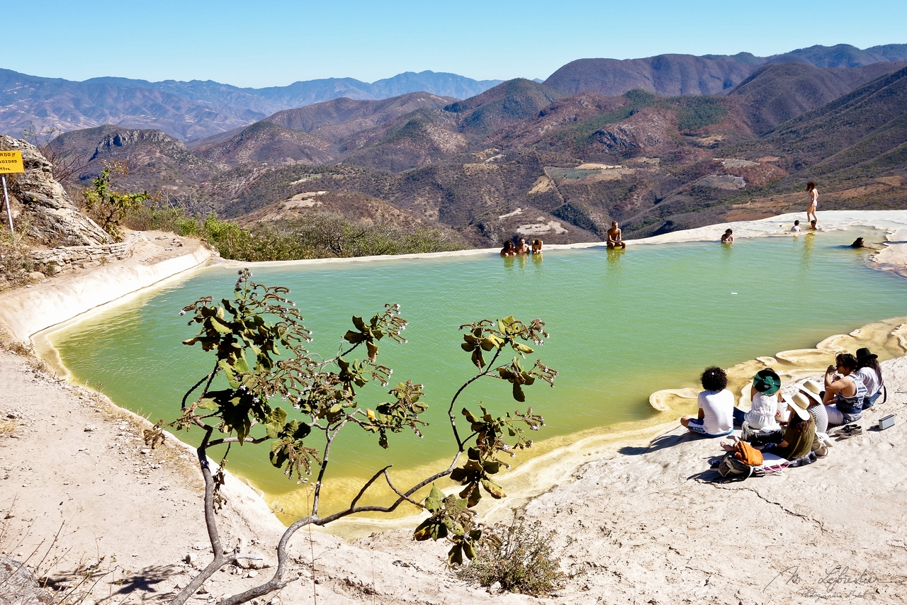 Mexico: look over paradise at Hierve el agua