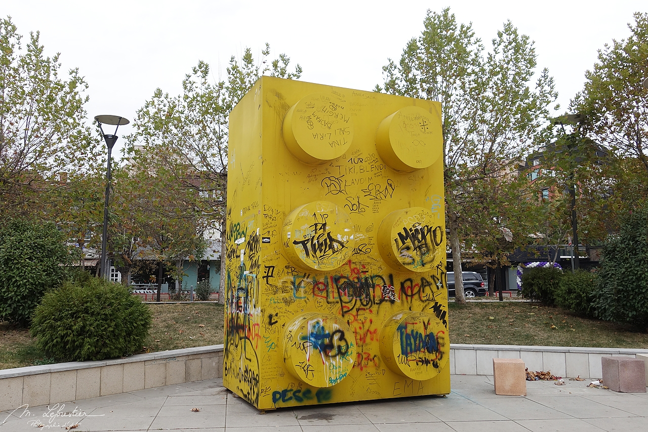 Kovoso: check out the surprising Giant Lego in Pristina